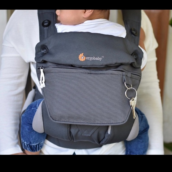 Ergobaby Omni 360 pouch carrier with infant insert